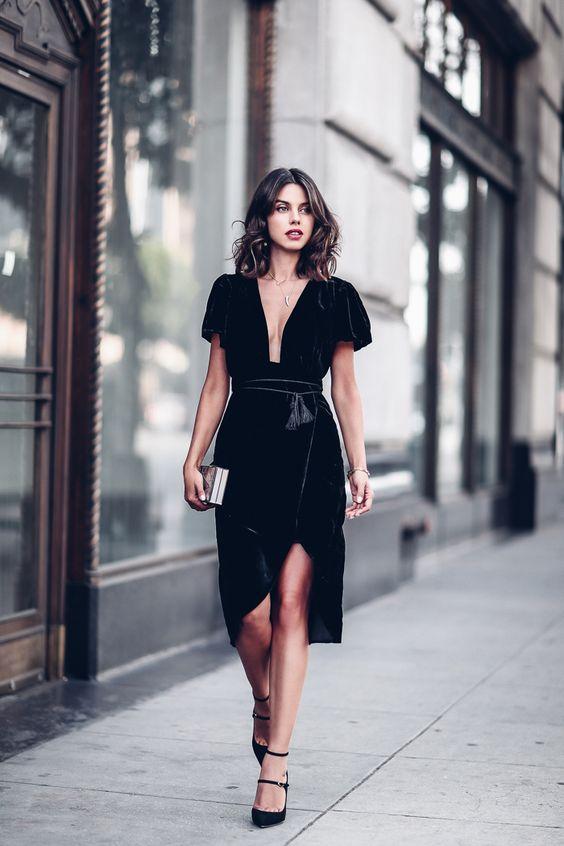looks veludo molhado preto vestido com fenda