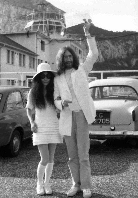 Yoko Ono Vestido de casamento