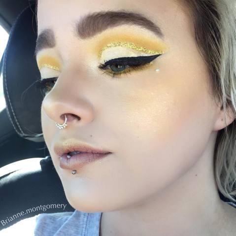 blush amarelo maquiagem