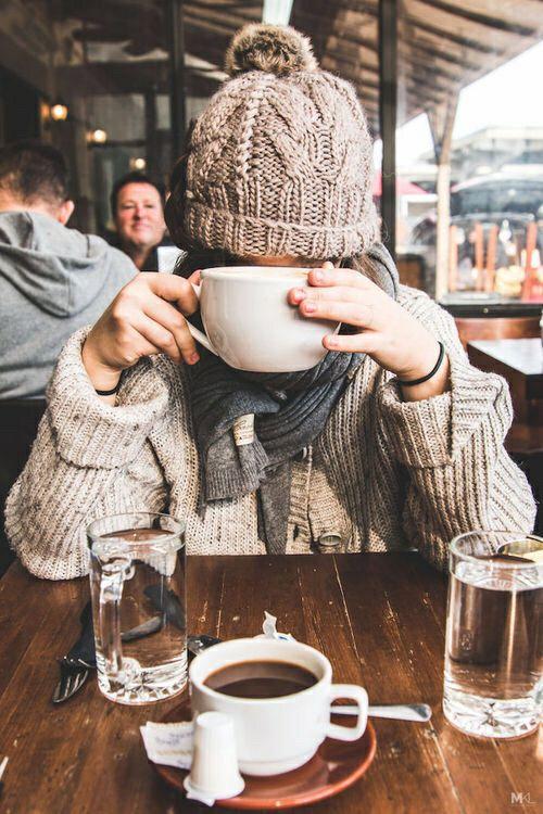como usar tendência Hygge café e touca