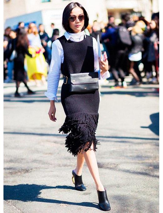 pochete com vestido de lã como usar