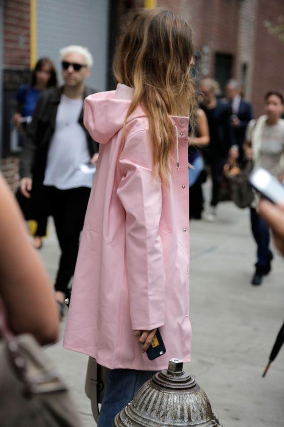 Millennial Pink rosa tendência geração Y jaqueta de chuva