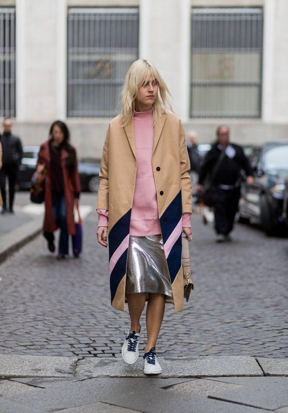 Millennial Pink rosa tendência geração Y vestido com saia prata