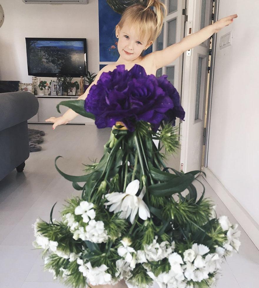 """Mãe """"veste"""" a filha com flores e alimentos 14"""