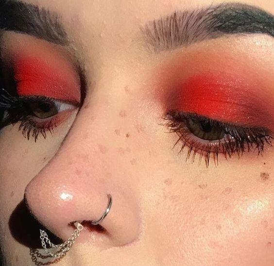 como usar sombra vermelha