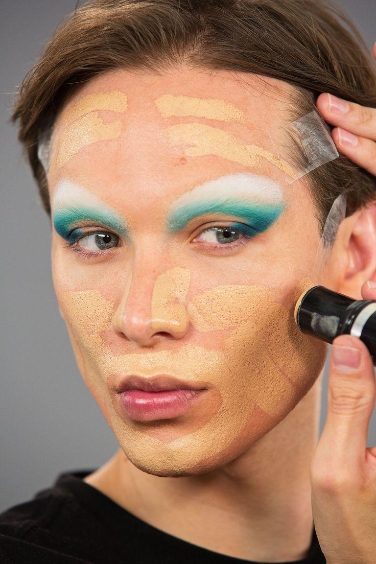 maquiagem miss fame contorno do rosto