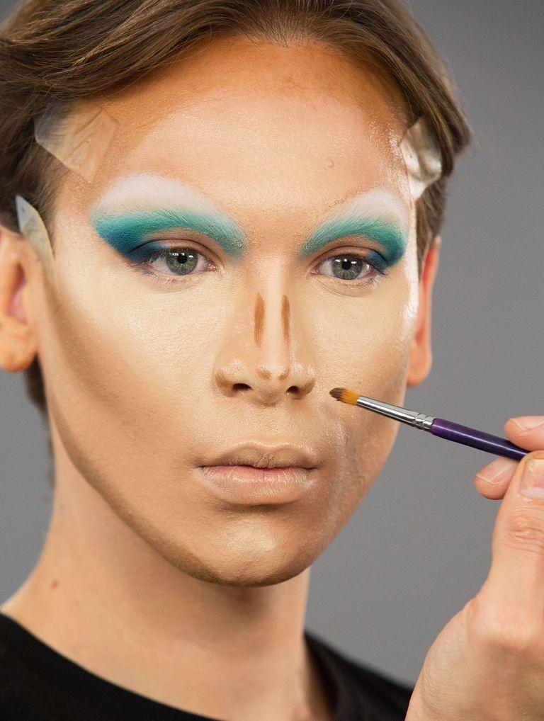 maquiagem miss fame contorno no nariz