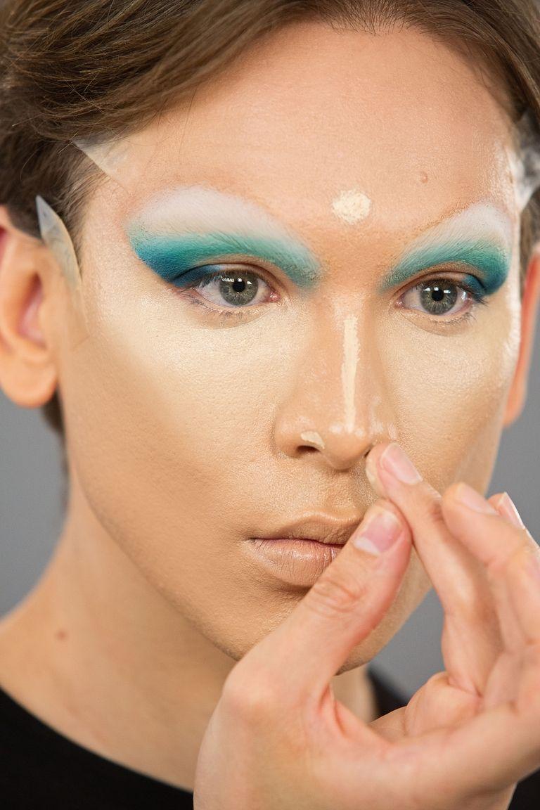 maquiagem miss fame corretivo e pontos de luz