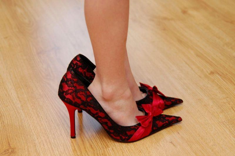 ff0302cb1 Uma em cada 10 mulheres calça sapatos entre 31 e 33