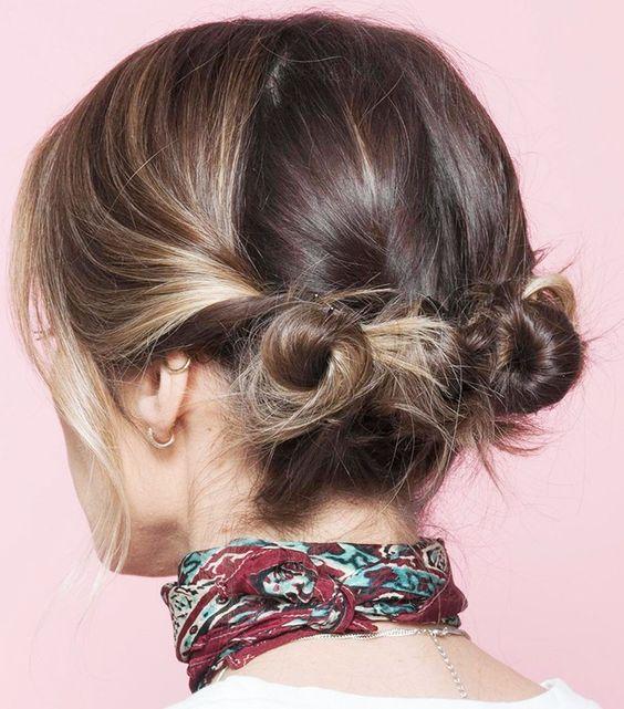 penteado com dois coques na cabeça