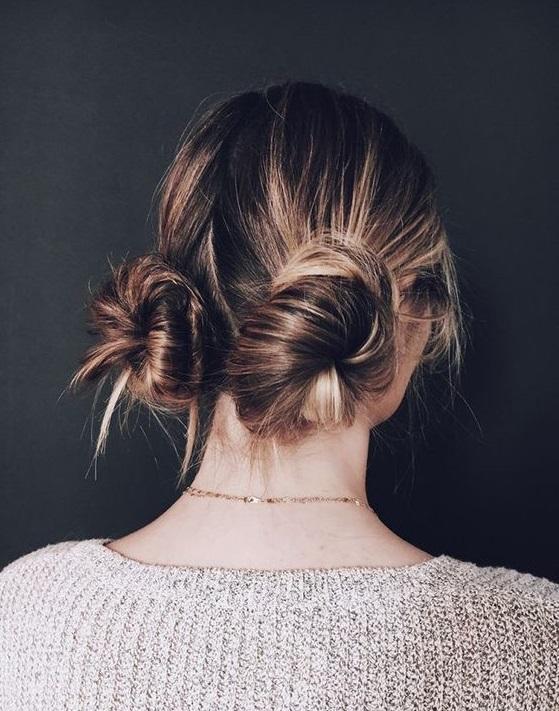 penteado dois coques na cabeça tendência