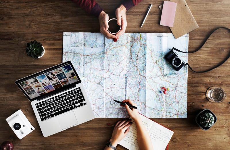 viajar pelo mundo sem largar o emprego