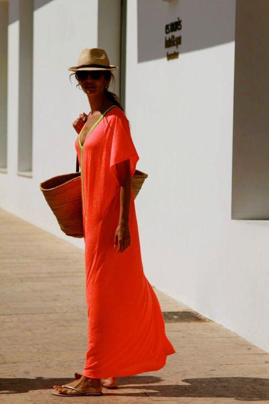 vestido longo laranja saida de praia