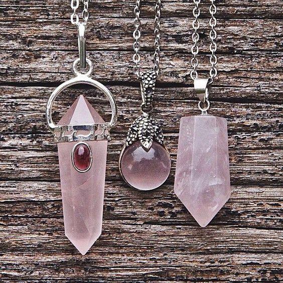 colares de pedras