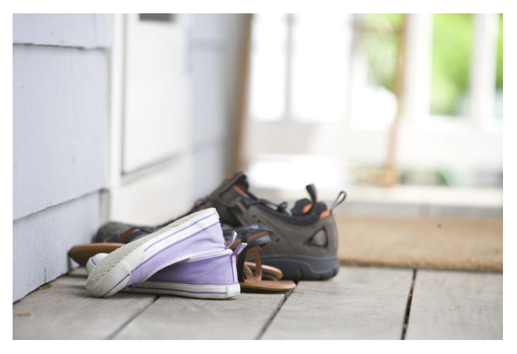 deixar sapatos fora de casa