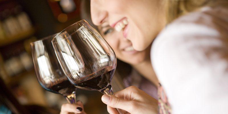 mulheres e vinho