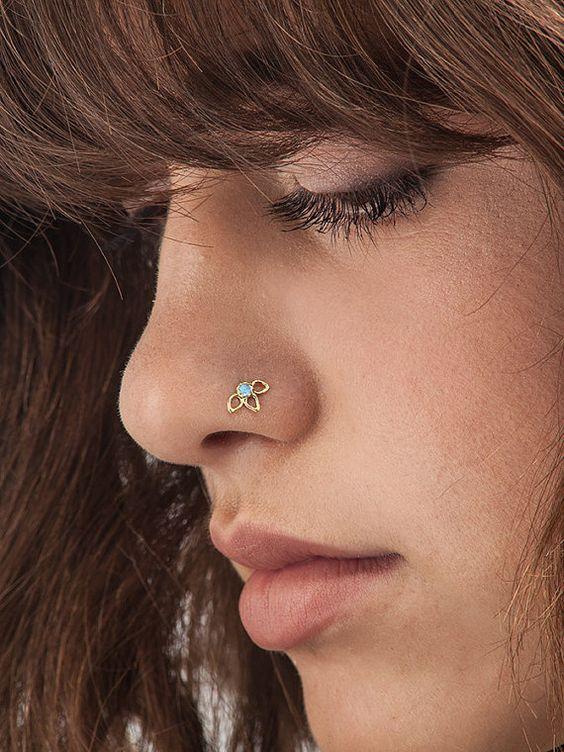 piercing nostril flor
