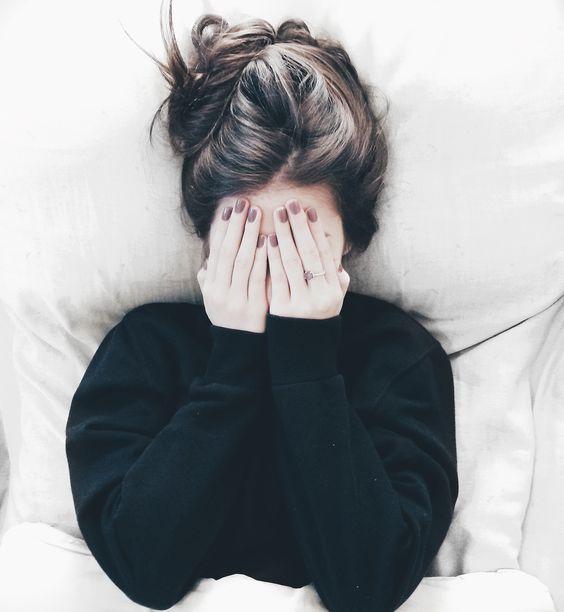 poses tumblr na cama