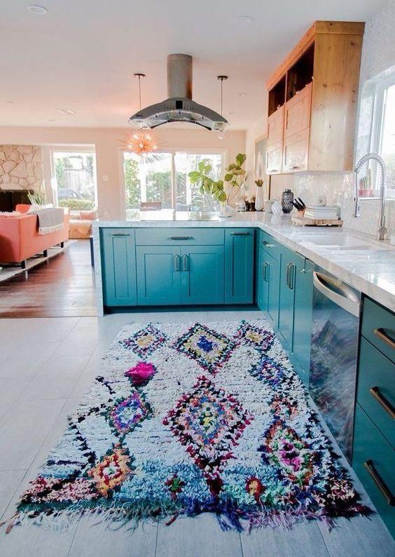 decoração de cozinha moderna com tapete