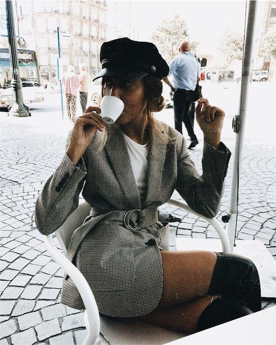 estilo francesa com boina