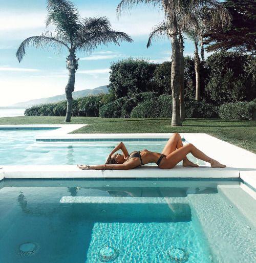 foto na piscina poses e inspiração