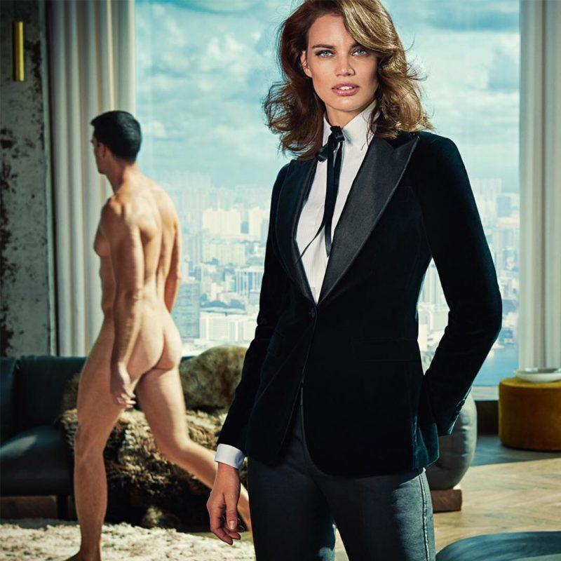mulher de terno homen nu