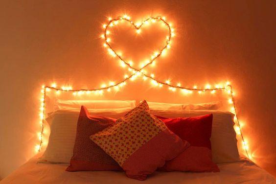 decoração iluminação com pisca pisca cabeceira de cama 1