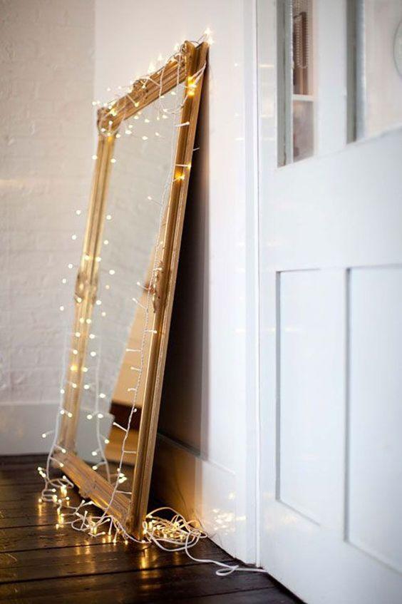 decoração iluminação com pisca pisca espelho