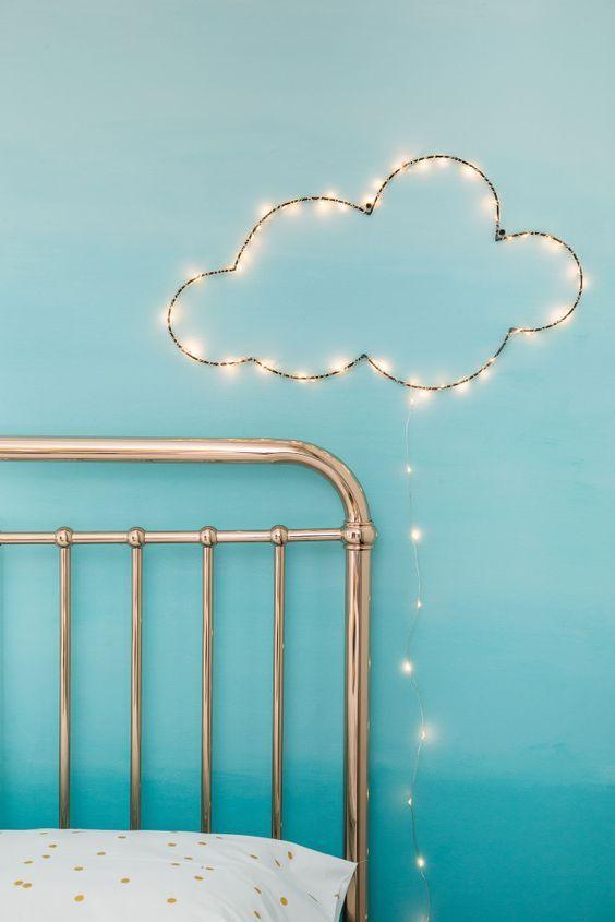 decoração iluminação com pisca pisca formato nuvem