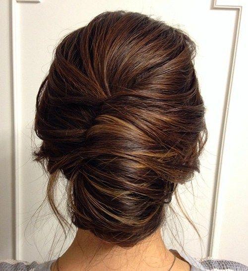 penteado madrinha de casamento cabelo longo coque banana