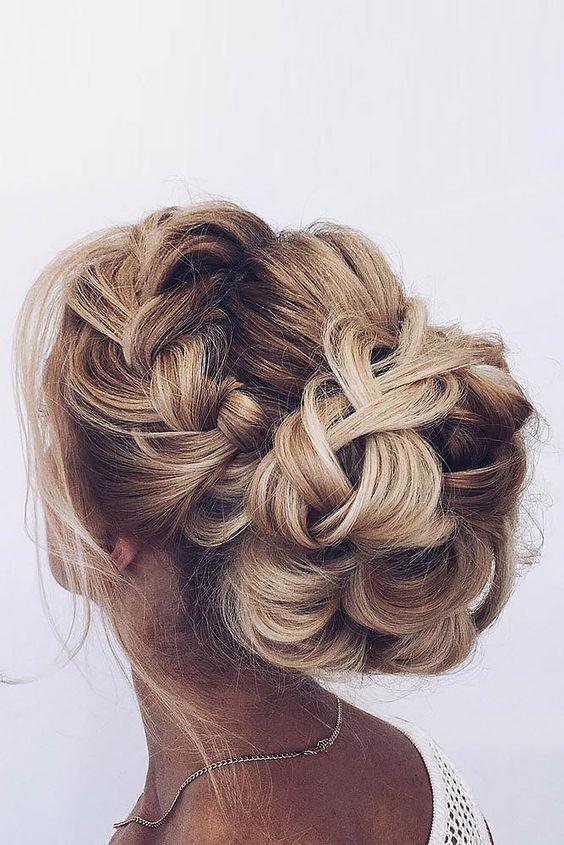 penteado madrinha de casamento cabelo longo trança com coque