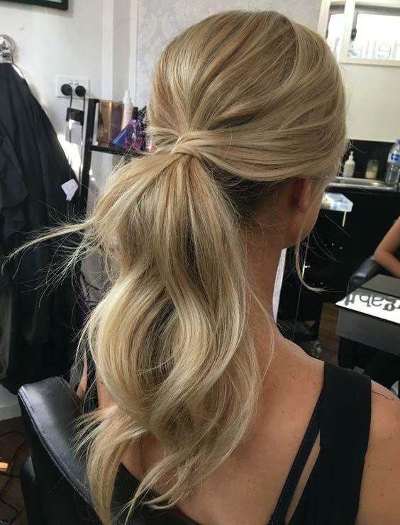 penteado madrinha de casamento durante o dia cabelo comprido