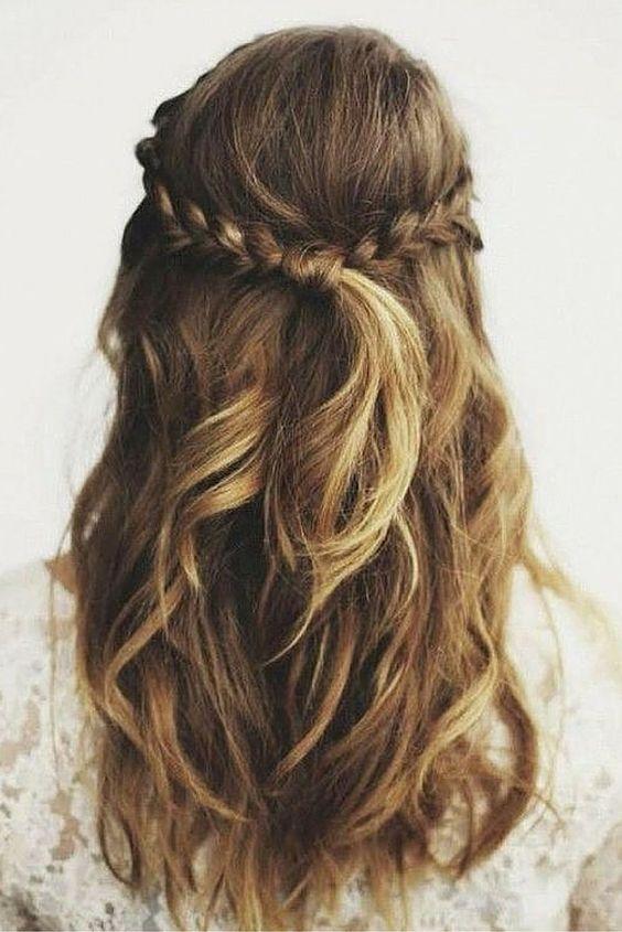 penteado madrinha de casamento durante o dia com babyliss