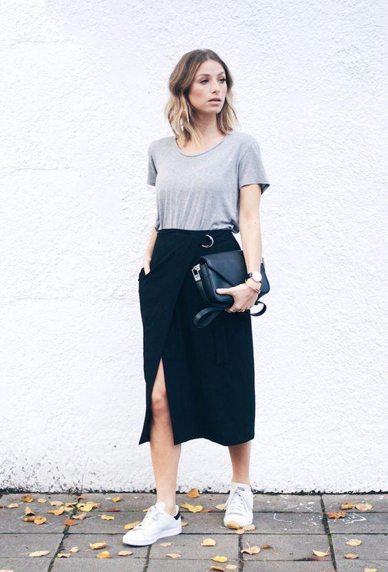 saia social e camiseta cinza