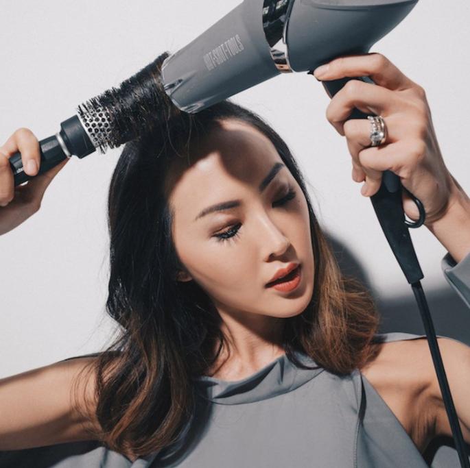 secar cabelos com secador