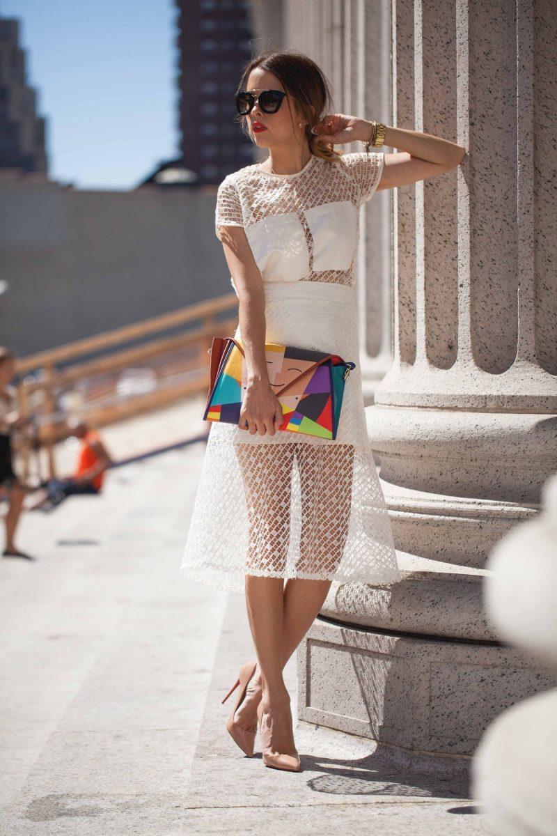 vestido de renda curto branco com transparência