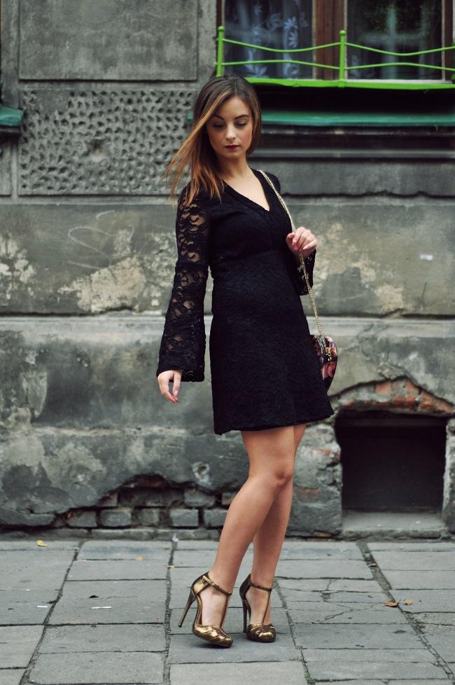 vestido de renda curto preto