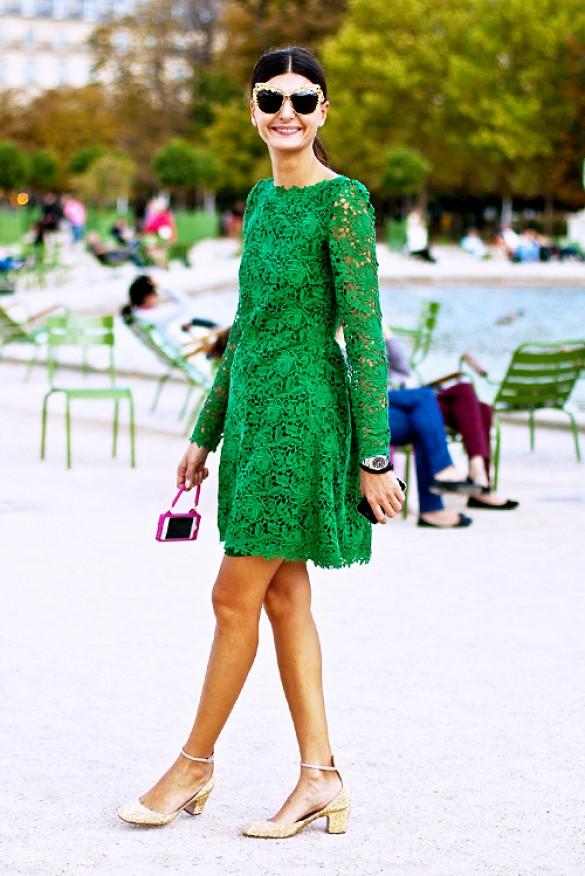 vestido de renda curto verde manga longa