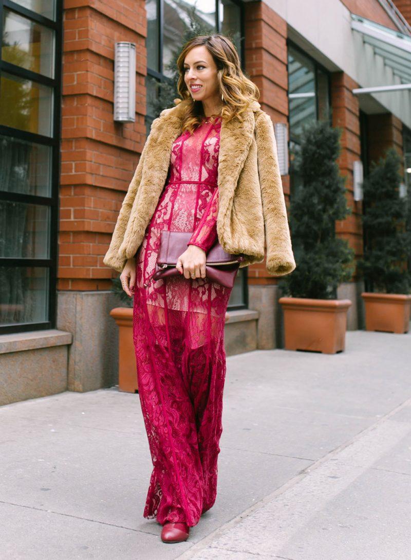 vestido de renda magenta
