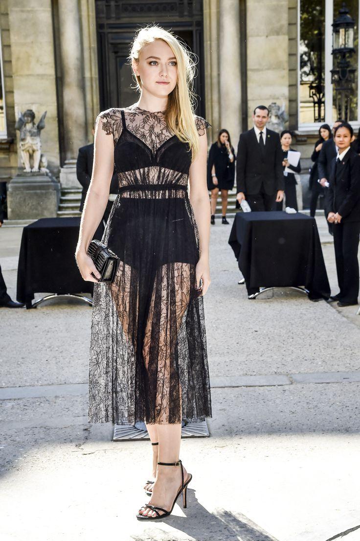 vestido de renda preto com transparência