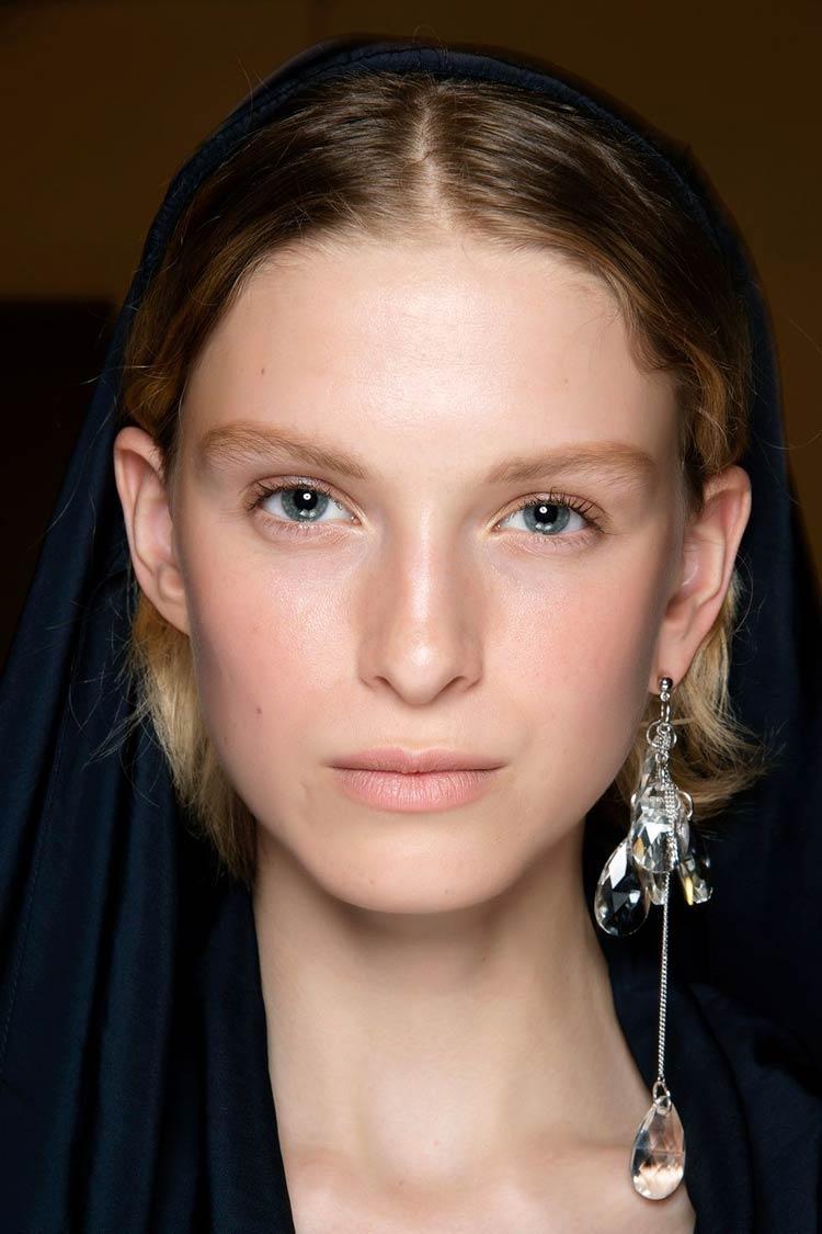 tendencia-maquiagem-2020-pele-natural