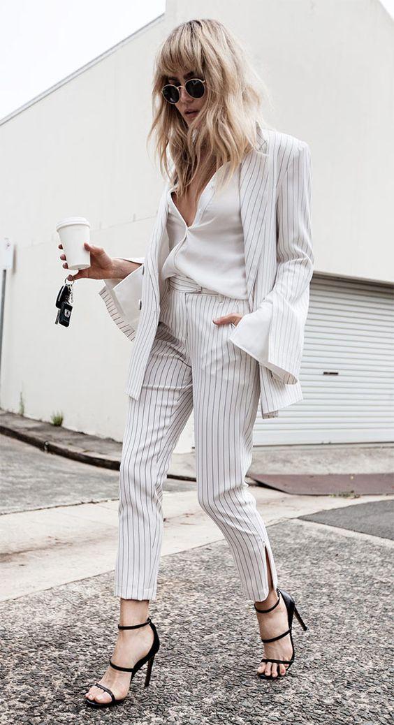calça e blazer listrado branco e preto
