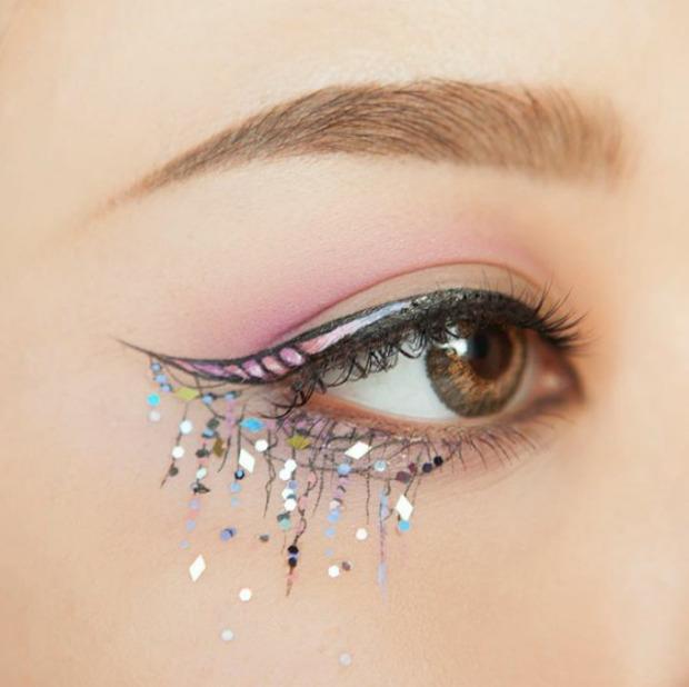 maquiagem de unicórnio delineado