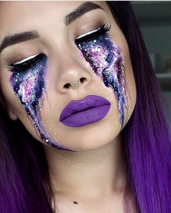 maquiagem galaxy escorrendo dos olhos