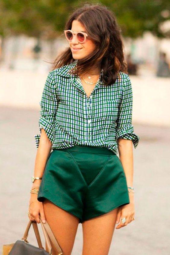shorts verde tecido nobre