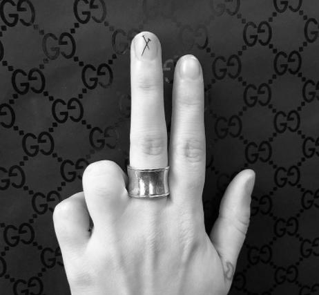 tatuagem nas unhas nail art