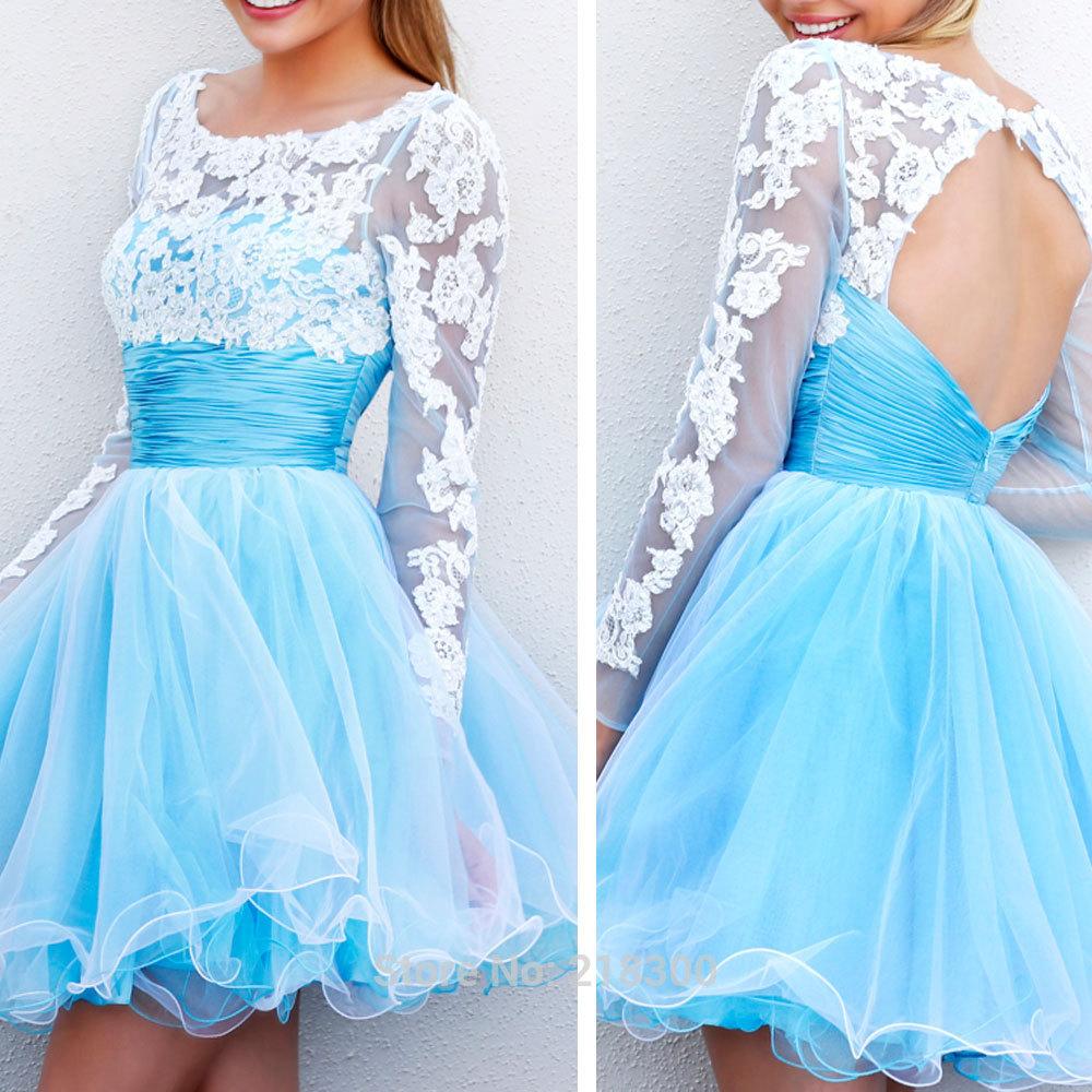 vestido debutante 15 anos azul claro e renda branca curto