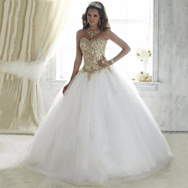 vestido debutante 15 anos branco com dourado
