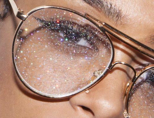 óculos com lente de glitter