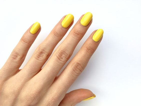 esmalte amarelo Primrose
